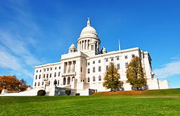 256px-Rhode_Island_state_house_2009a