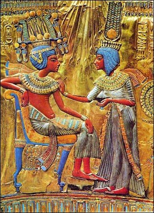 King Tut depicted with his wife, Ankhesenamun.