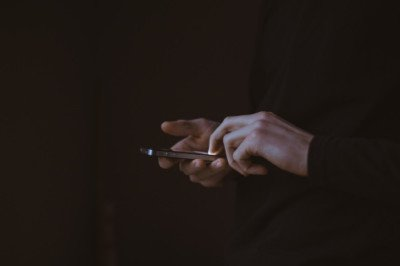 hands-phone-unsplash-free-photos-small